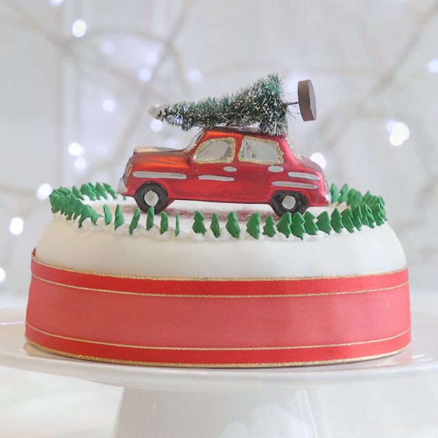 Christmas cake decorating ideas uk