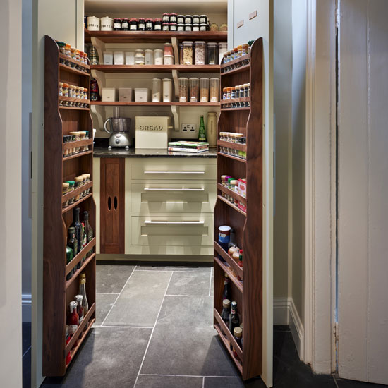 Kitchen larder ideas that 39 ll make you happy for Country kitchen pantry ideas