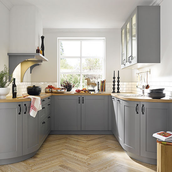 Sch?ller C Casa kitchen in Sand Grey Silk Gloss, from ?6,426