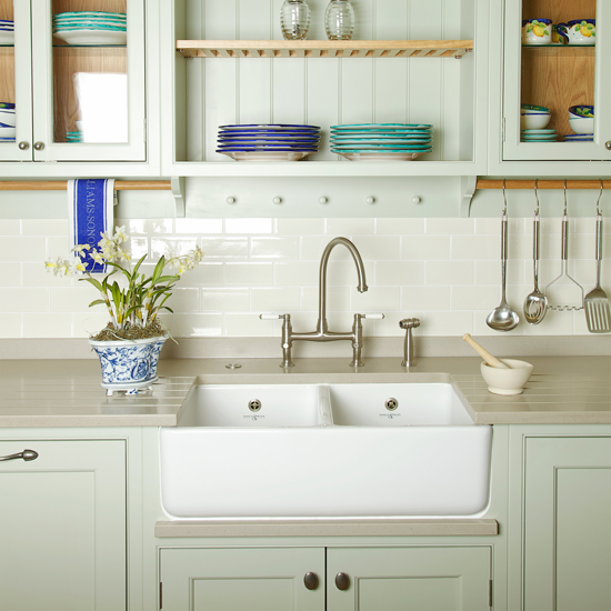 Country Kitchen Taps: 5 Country Style Sinks To Get You In A Lather