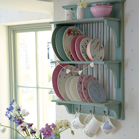 7 ways to decorate with pretty pastels - Vintage antique baby room ideas timeless charm appeal ...