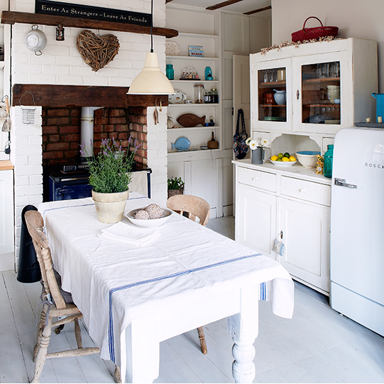 Interesting Facts About Shabby Chic Country Kitchen Design: 7 Things You Need For A Shabby Chic Kitchen