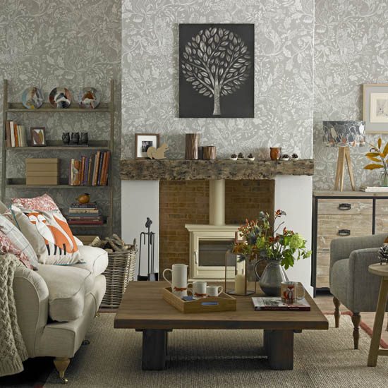 Cosy living room looks for autumn for Grey wallpaper living room ideas