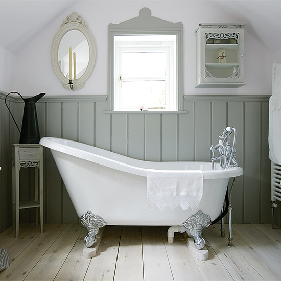 7 Lovely Ways To Decorate Your Country Bathroom