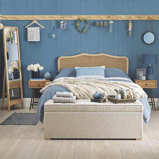 Decorating with blue for Interior design beach theme