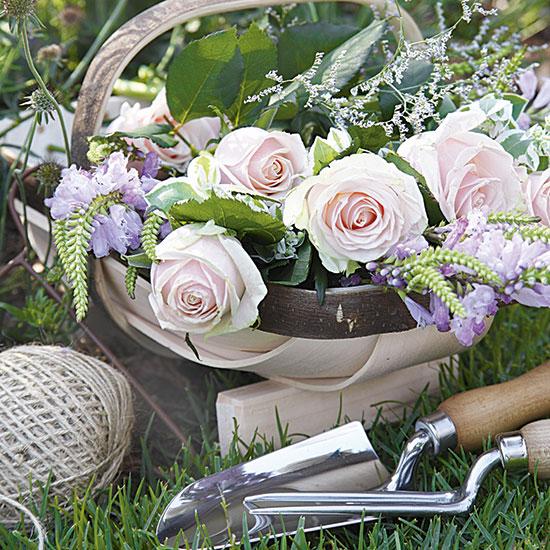 Romantic Garden Designs: Design Your Own Romantic English Rose Garden