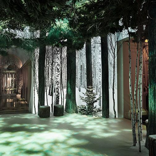 Claridge S Christmas Tree Is An Incredible Art